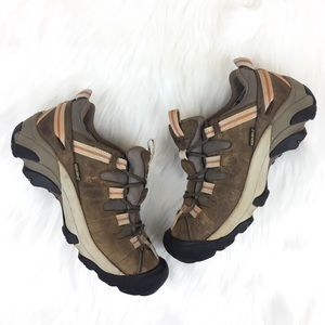 Keen Dry Low Hiking Shoes Size 6.5
